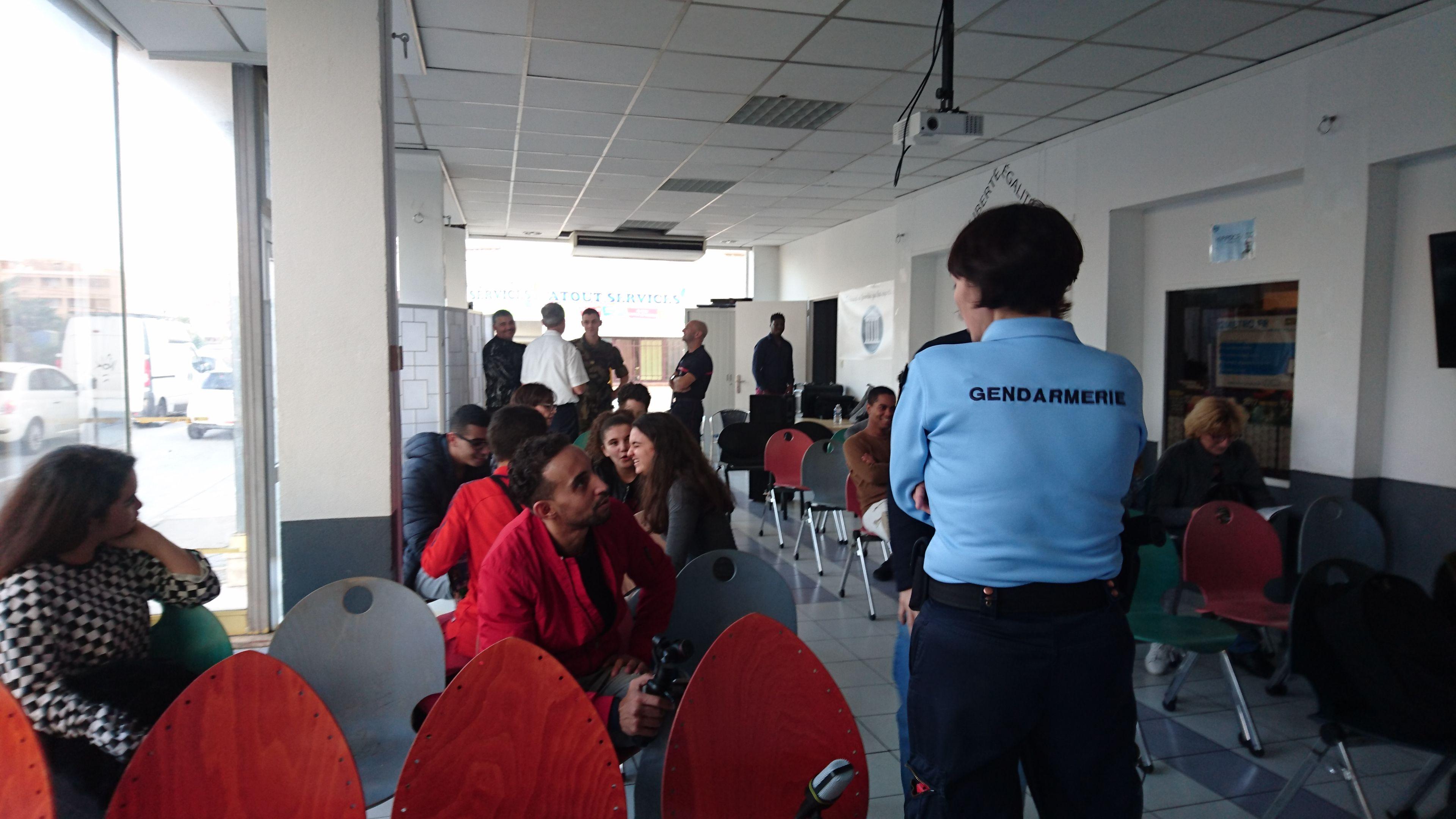 Présentation des métiers de la défense : La gendarmerie
